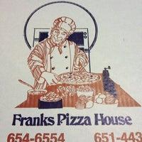 Foto scattata a Frank's Pizza House da Robert il 11/17/2012
