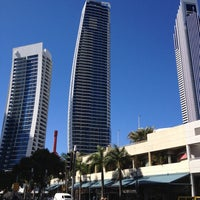 Photo taken at Surfers Paradise by เคแล็บ ❄☃ ⓒⓐⓛⓔⓑ Ŧ. on 10/12/2012