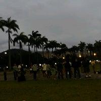 Photo taken at Jardim do MAM by Rafael R. on 9/23/2012