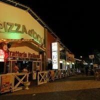 Foto tirada no(a) Pizza D'oro por Ronny B. em 9/29/2012