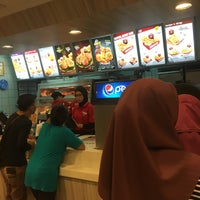 Photo taken at KFC by Amigor on 10/11/2017