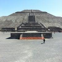 Foto tomada en Zona Arqueológica de Teotihuacán por Mina Y. el 1/9/2013