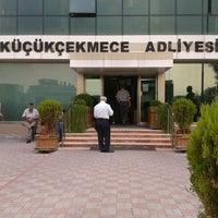 Photo taken at Küçükçekmece Adliyesi by Ersin  Duygu D. on 9/19/2012