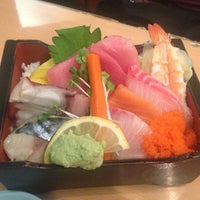Photo taken at Kamon Sushi Japanese Cuisine by Yunying on 6/11/2014