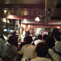 Photo prise au Jazz Club さくらんぼ (咲蘭房) par Ai le8/16/2014