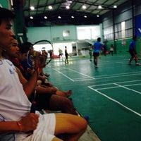 Photo taken at Hong Ha Badminton Court by Bomba P. on 8/25/2013