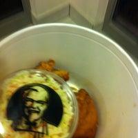 Das Foto wurde bei Kentucky Fried Chicken von Moon am 12/1/2012 aufgenommen
