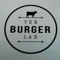 Das Foto wurde bei The Burger Lab von Thomas S. am 4/2/2014 aufgenommen