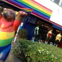 Das Foto wurde bei Brunos - Gay Shopping World von Angelo B. am 5/21/2014 aufgenommen