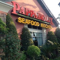 Photo taken at Pappadeaux Seafood Kitchen by Kittiphong B. on 8/4/2013