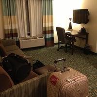 Das Foto wurde bei Hampton Inn & Suites Miami-Doral/Dolphin Mall von Gabriel B. am 12/12/2012 aufgenommen