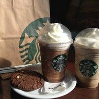 Снимок сделан в Starbucks пользователем Victoria S. 4/18/2013