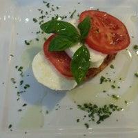 Foto tirada no(a) Pasta e Pallone por Fabiola R. em 5/19/2013