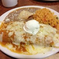 รูปภาพถ่ายที่ Broken Yolk Cafe โดย Adriana N. เมื่อ 12/29/2012