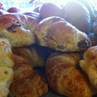 Foto tomada en Croissants Alfredo por Manuel R. el 10/5/2012
