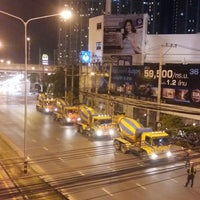 Photo taken at Phatthanakan Intersection by Toysino N. on 9/9/2017