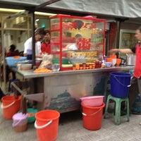Снимок сделан в Lou Yau Kee Porridge (老友记粥) пользователем 🎀Jessica S. 10/10/2012