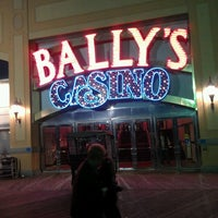 Photo prise au Bally's Casino & Hotel par Nilda M. le10/20/2012