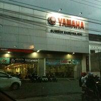 Photo taken at Yamaha Sumber Baru Denggung by Dandi M. on 10/15/2012
