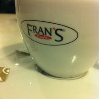 Foto tirada no(a) Fran's Café por Felipe H. em 6/28/2013