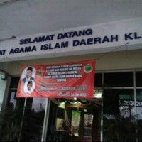 Photo taken at Pejabat Agama Islam Daerah Klang by Hans M. on 4/13/2013
