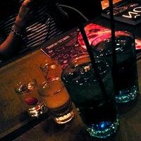 Снимок сделан в Shishas Lounge Bar пользователем Виктория М. 4/4/2013