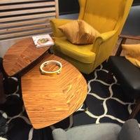 Photo prise au IKEA Restaurant & Café par Christian R. le7/28/2018