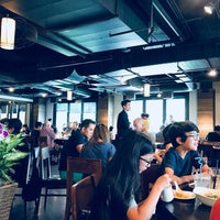 Photo taken at Din Tai Fung 鼎泰豐 by Allen C. on 8/6/2017