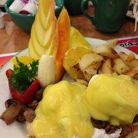 Photo taken at Cora Breakfast & Lunch by Allen C. on 11/25/2012