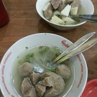 Photo taken at Bakso Manteb Probolinggo by pebeboni on 3/3/2014