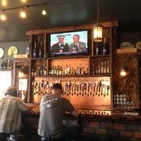 Photo prise au Monkey Paw Pub & Brewery par Alan H. le6/7/2013