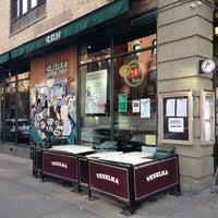 12/15/2012 tarihinde Bobby R.ziyaretçi tarafından Veselka'de çekilen fotoğraf