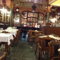 Foto tirada no(a) Majestic Café por Deborah em 10/26/2012