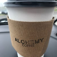 Foto diambil di Alchemy Coffee oleh Niki M. pada 8/17/2017