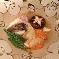Das Foto wurde bei 明水三井 Mitsui Cuisine von Angela am 6/11/2013 aufgenommen