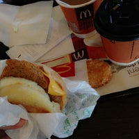 Photo taken at McDonald's / McCafé by Wanxin on 4/26/2013