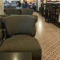 Photo taken at Starbucks by Ohminious . on 2/22/2017