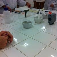 Photo taken at laboratório de bioquímica by Adriana on 3/12/2014
