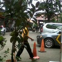 Photo taken at Polsek Kebayoran by Riday R. on 6/3/2013