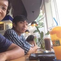 Photo taken at Book cafe Phương Nam by Kết Nhi on 3/21/2017