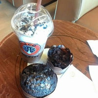 Photo taken at J.Co Donuts & Coffee by Wendy S. on 11/11/2015