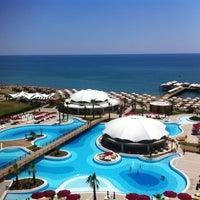 7/23/2013 tarihinde nurcanziyaretçi tarafından Kaya Palazzo Golf Resort'de çekilen fotoğraf