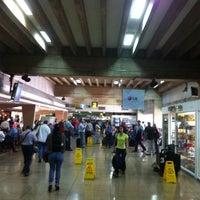 5/15/2013 tarihinde Ecio R.ziyaretçi tarafından Terminal Nacional'de çekilen fotoğraf