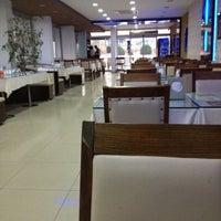 11/14/2012 tarihinde Kadir D.ziyaretçi tarafından Alo 24 Pide & Kebap'de çekilen fotoğraf