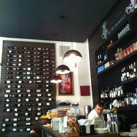 11/19/2012 tarihinde Людмилаziyaretçi tarafından Café Phillies'de çekilen fotoğraf