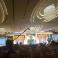 Photo taken at Ballroom Crowne Plaza Hotel Semarang by nans h. on 10/12/2014