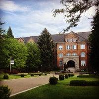 Foto diambil di Gonzaga University oleh Abbey H. pada 6/17/2013