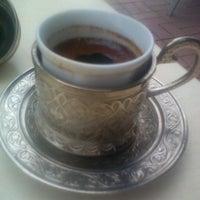 10/29/2012 tarihinde EMRE AYDINziyaretçi tarafından Şık Kahve & Vitamin'de çekilen fotoğraf