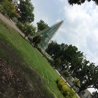 Photo taken at Maria Cristina Park by Steph F. on 4/20/2017