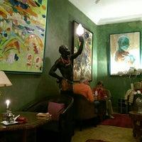 Photo taken at Caravane café by Oussama on 11/7/2015